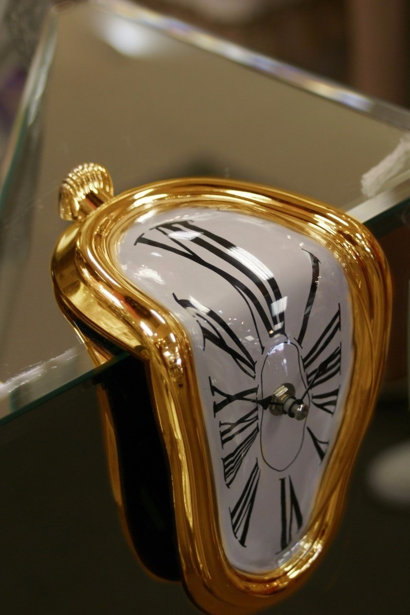 Reloj Blando Dorado Estilo Surrealista Salvador Dali   29799 en Mercado Libre
