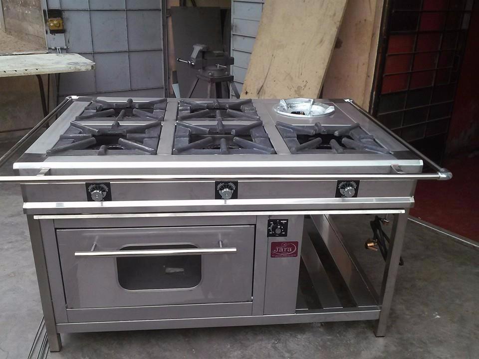 Se Vende Cocina Industrial 4 Hornillas Con Horno  S 100