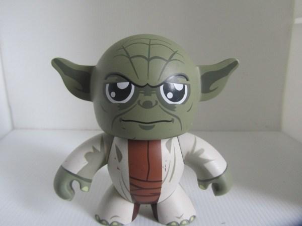 Star Wars Guerra Galaxias Yoda Mighty Muggs Espada Laser