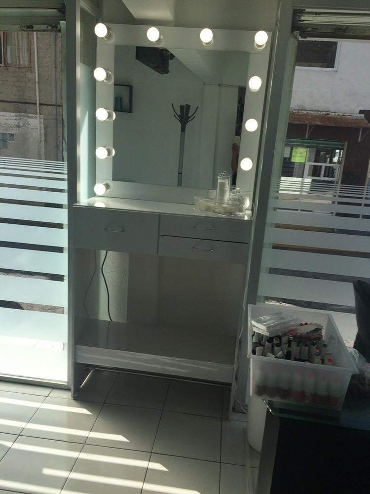 Tocador Para Maquillaje Con Luz   579000 en Mercado Libre