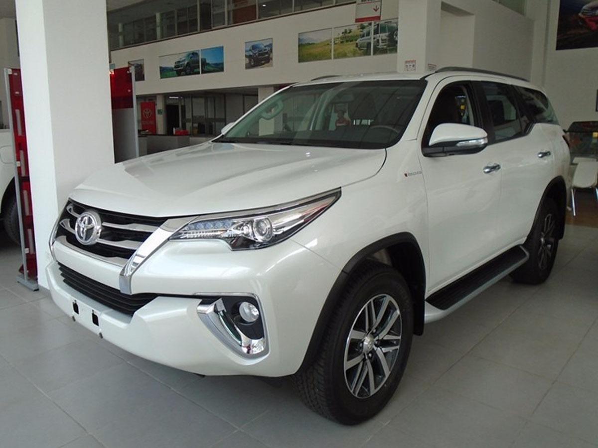 Toyota Fortuner Srv 28 Cc Diesel   182900000 en TuCarro