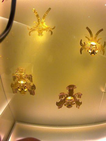 Arte orfebre precolombino: Insectos voladores II/II