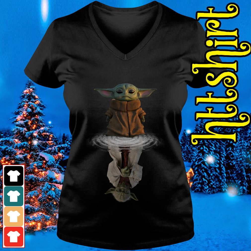Baby Yoda water reflection mirror Yoda V-neck t-shirt