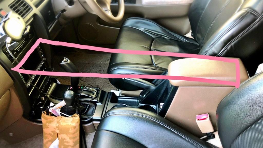 車内 テーブル板 自作 オルテガ柄