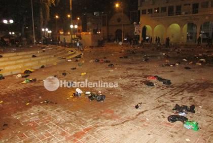 desmanes en Plaza de Armas de Huaral