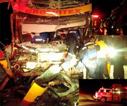 Bus  choca con trailer Lomas de Lachay