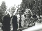 Aenne Burda mit Andy Warhol (l) und Dr. Burda (m)