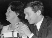 Aenne Burda mit Sohn Hubert Burda, 1966