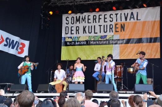 Bild von Monsieur Periné (Kolumbien) beim Sommerfestival der Kulturen 2013