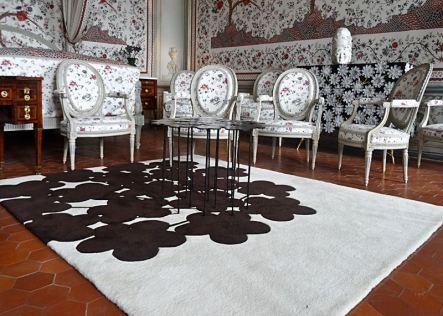 Tapis ombre chinée avec table margueritte et commode Anthémis