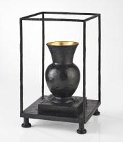 vase vitrine noir 01