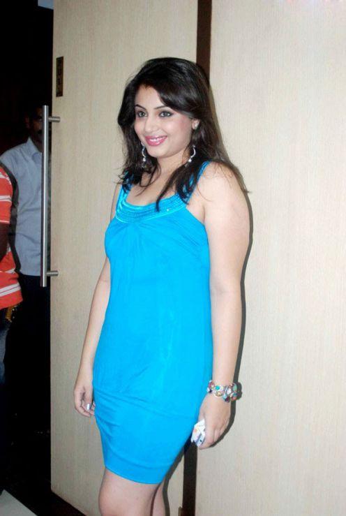 Actress Suhani Spicy Hot Legs & Face Shots big boobs show