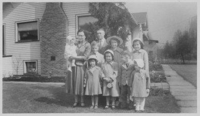 Grandma and Grandpa Hubbard and grandkids