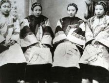 Modest China wives