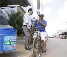 Pábio Mossoró entrega mais 120 lixeiras em Valparaíso