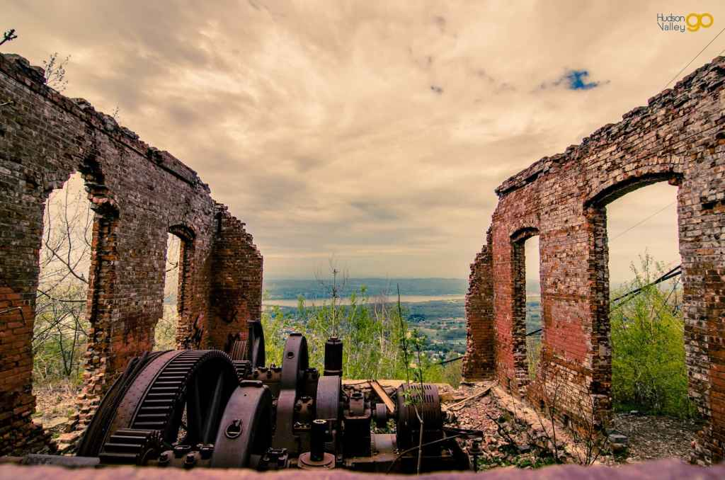 Ruins at the top of Mount Beacon
