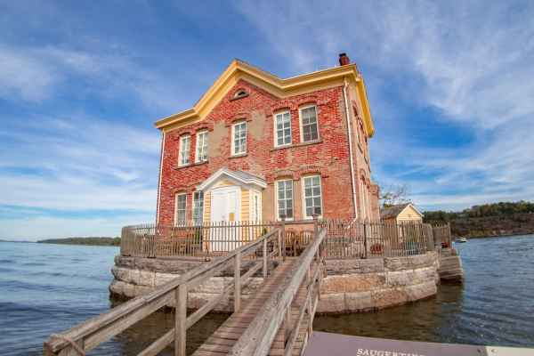 Saugerties Lighthouse   Photo by Kristina Quinones aka Aspire to Wander