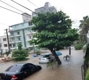 Impactantes imágenes de La Habana bajo agua tras una tormenta local (3)
