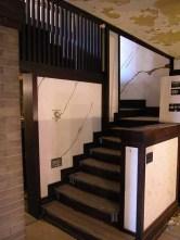 Grietas en muros de escalera
