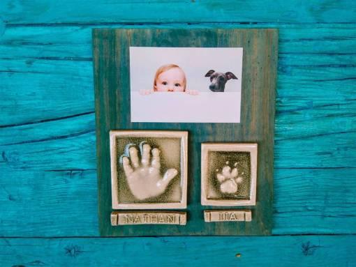 Huellas de bebé y perrito en ceramica