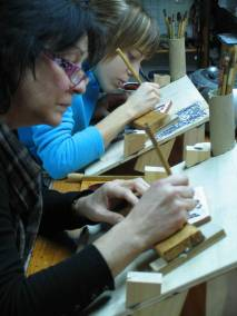 pintando socarrats en nuestro taller