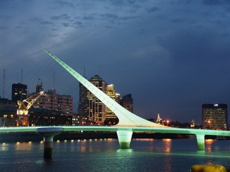 Puente de la mujer de noche
