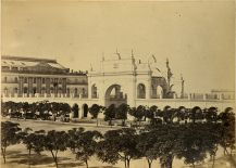Vista de la Recova desde la Plaza de la Victoria