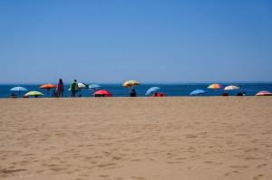 Son playas amplias co sitio para todos.