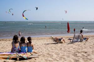 En el acondicionamiento de las playas se trabaja desde primeros de año.