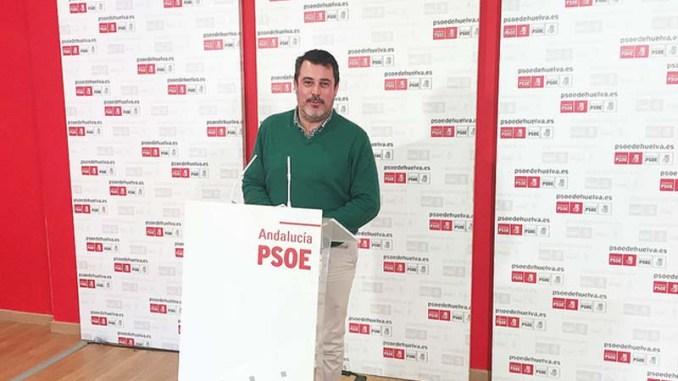 El PSOE muestra sus dudas ante el proyecto de los fosfoyesos, avalado por una ministra en funciones y ex directiva de Fertiberia