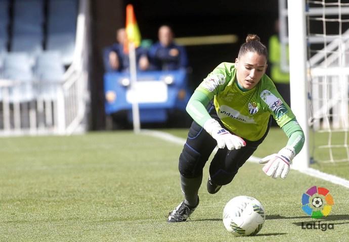 Sara Serrat encajó cinco goles, aunque paró un penalti que evitó una goleada mayor