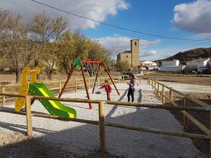 Nuevo parque infantil de Saceda del Río