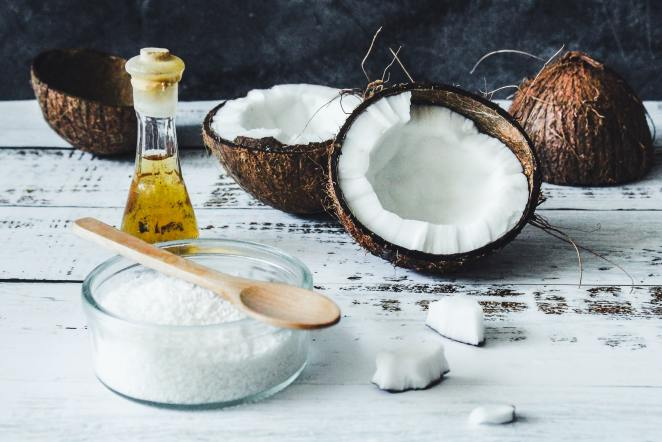 Raw coconut products, coconut flakes and coconut oil