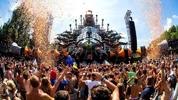 tomorowland stage during day