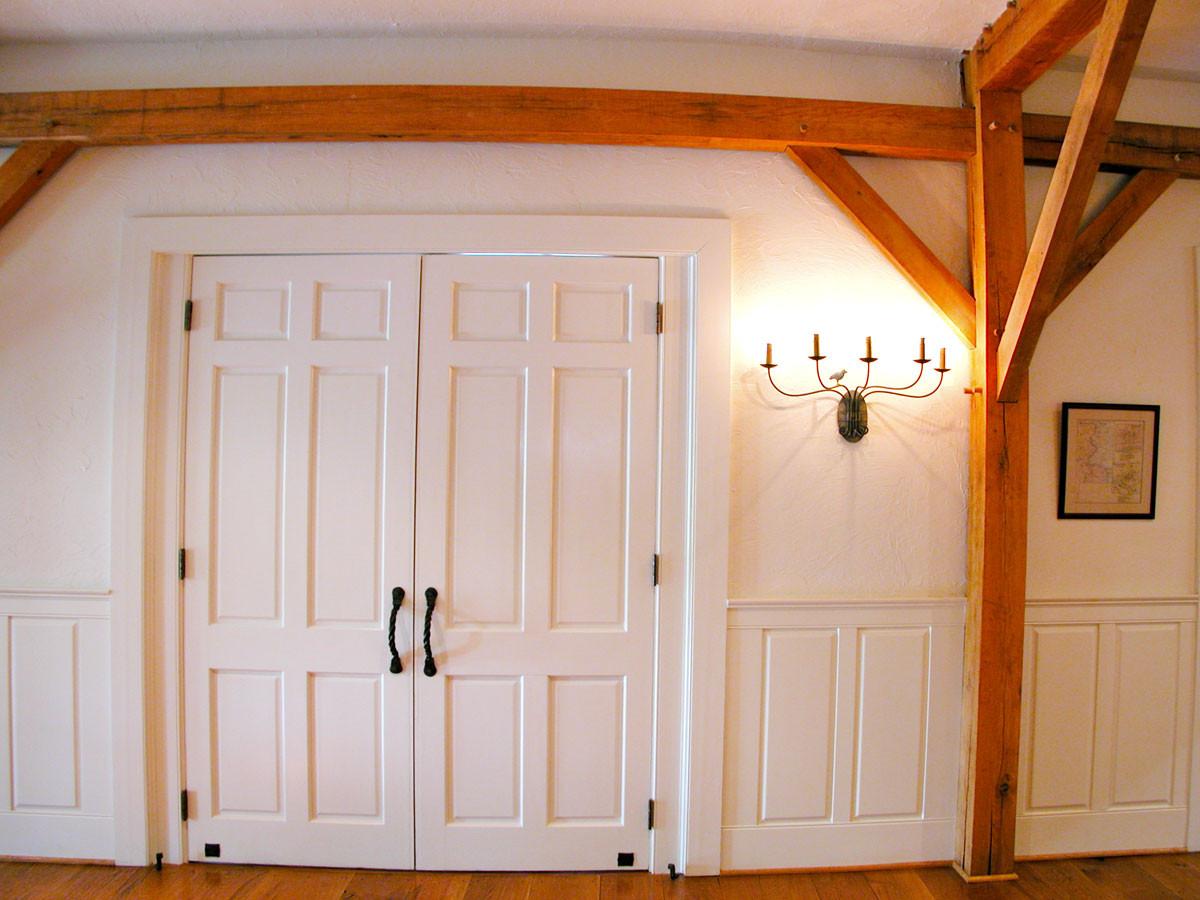 13-Hall-Door7541