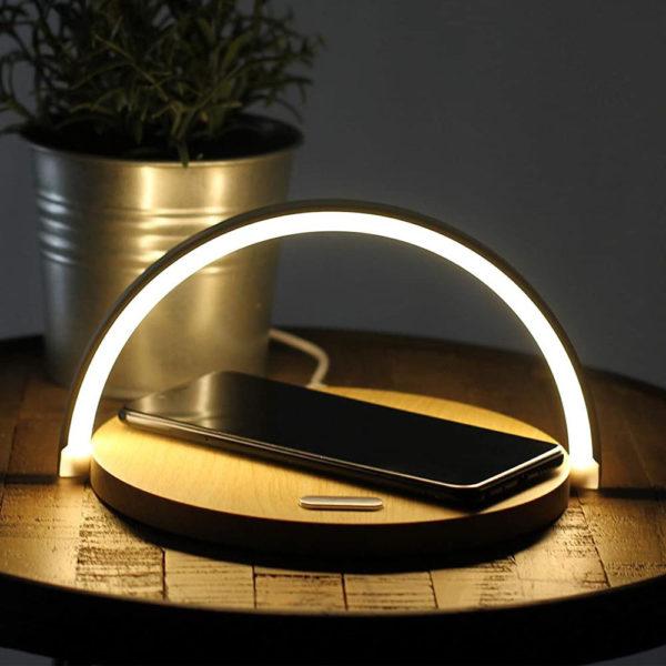lampe-tactile-avec-station-de-chargement