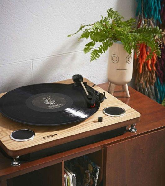 platine-vinyle-haut-parleurs-integres