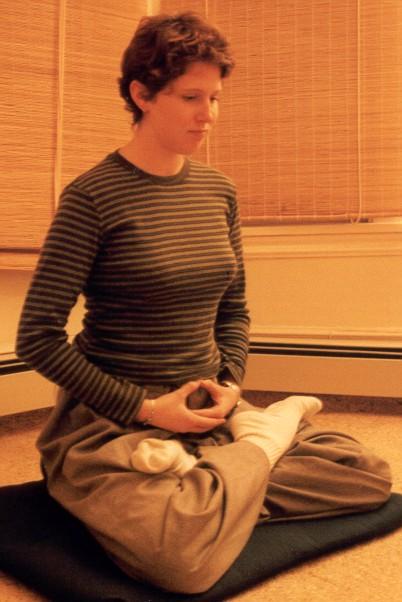sitting-fulllotus1.jpg