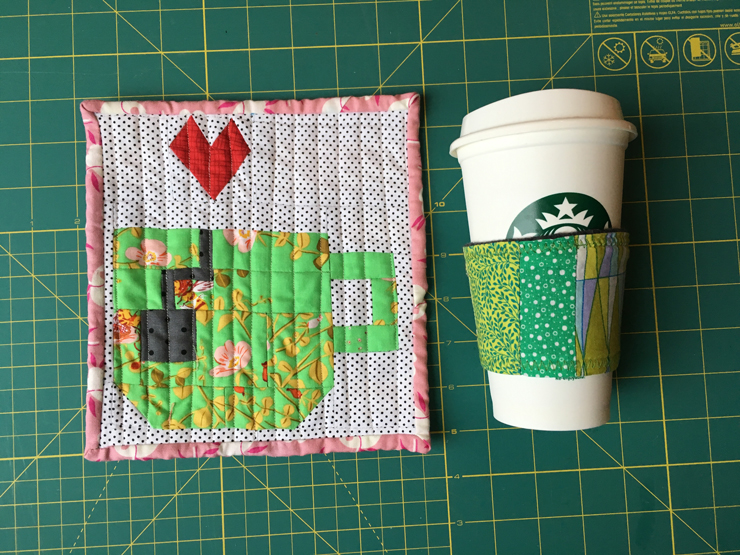 &Stitches Secret Santa Exchange with Free EPP Pattern from Hugs are Fun
