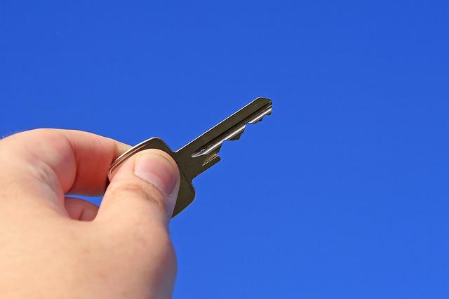 5 redenen om met een vastgoedmakelaar je huis te verkopen