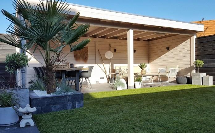 witte veranda tropische tuin