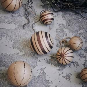 kerstbal bruin gestreept
