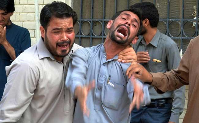 पाकिस्तानमा आत्मघाती हमला, एक नेतासहित १३ को मृत्यु