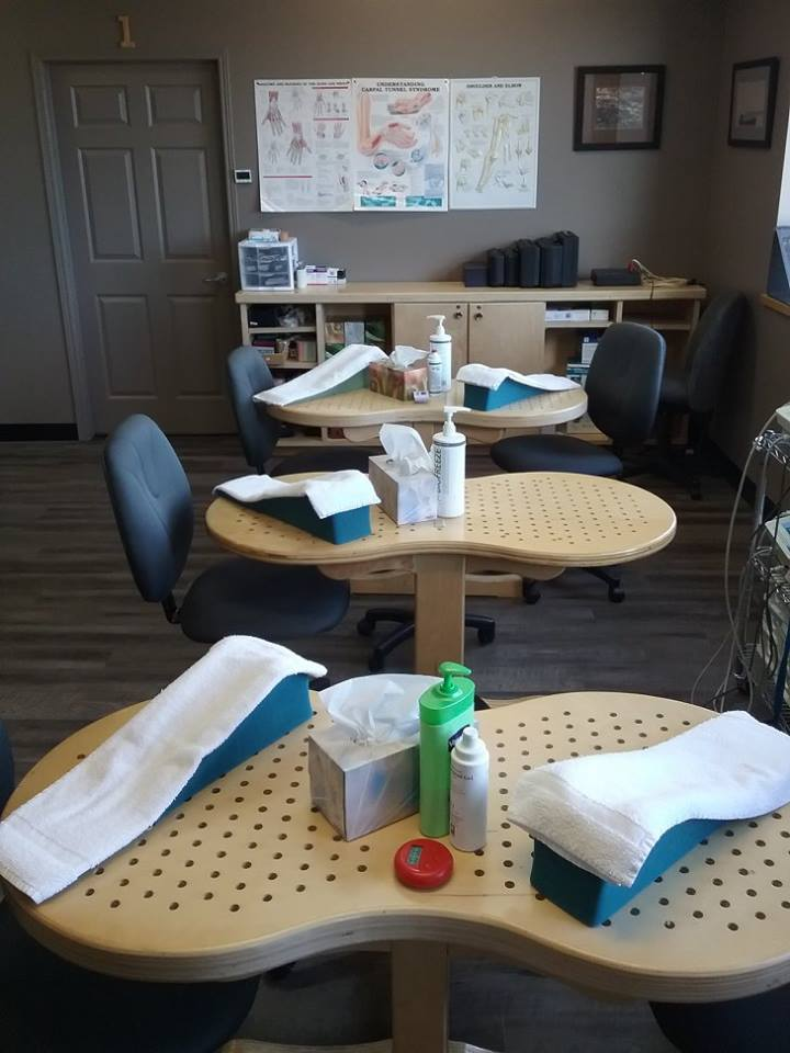 Our bright and sunny common work areas give clients the opportunity to socialize and share experiences while doing therapy.
