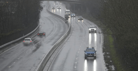 heavy-downpours-causing-problems-on-hull-roads