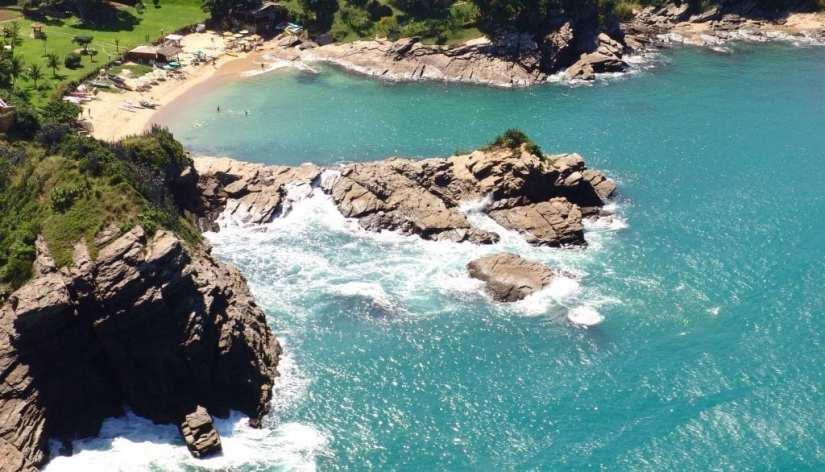 Praia-da-Ferradurinha