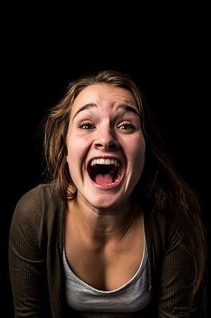 Фотопроект Мод Фернхоут о том, как жещины выражают эмоции