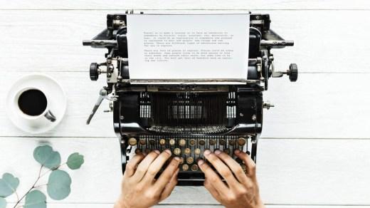 Рзавитие современной литературы с изобретением печатной машинки.