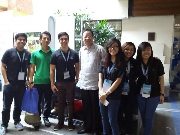 フィリピン大学のジョブフェアをフィリピン大学副学長に案内してもらいました