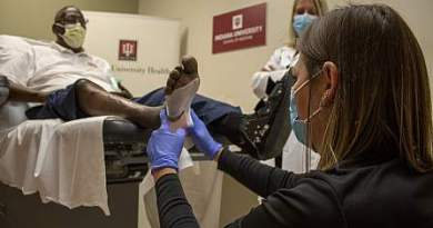 Mr. Donnell Hayes participates in a Diabetic Foot Consortium biomarker study at Indiana University.Marco Gutierrez, Indiana University School of Medicine.